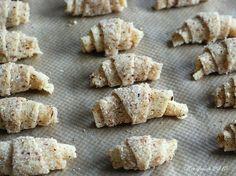 Bei meinem letzten Heimatbesuch durfte ich sie testen: Die köstlichen Mininusshörnchen mit Nougatfüllung (die sich als Rugelach , einem jüd...