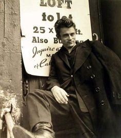 James Dean became one of the most iconic actors of modern times. Roy Schatt's legendary photos of him at the Actors Studio in the reveal why. James Dean, Hollywood Stars, Classic Hollywood, Old Hollywood, Hollywood Actresses, Scott Eastwood, Hayden Christensen, Indiana, Brendon Urie