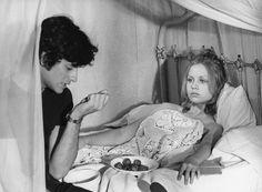 """2. Muriel Catalá e Francis Huster in """"Faustine et le bel été"""" (1972) di Nina Companeez (""""Collection Gérard Troussier"""" / Cinemagence, 1964-1994)"""