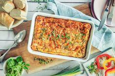 Et perfekt innslag på koldtbordet til konfirmasjonen, mai og andre festdager. Lasagna, Keto, Ethnic Recipes, Food, Omelette, Spinach, Meal, Essen, Hoods