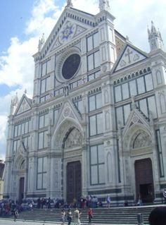 Basilica of Santa Croce, Florence Italy Largest Franciscan church in the world. Tomb of Michelangelo, Dante, Galileo, Machiavelli, Ghiberti