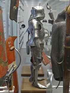 ca. 1470-1480 - 'armour', Landshut, Germanisches Nationalmuseum, Nürnberg, Bayern, Germany | von roelipilami