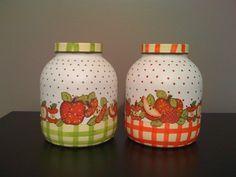POTE DECORADOS - Buscar con Google Chalk Paint Mason Jars, Painted Mason Jars, Bottle Painting, Bottle Art, Mason Jar Crafts, Bottle Crafts, Bottles And Jars, Glass Jars, Decoupage Jars