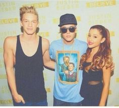 Ariana , Justin and Cody Simpson so cool