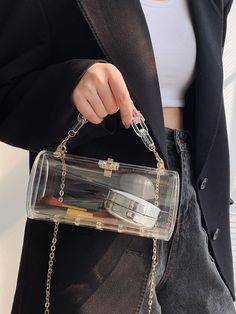 There is no way in heck we're going to ruin our game day outfit by carrying a gallon freezer bag. Bench the Ziploc, and take one of these cute stadium-approved purses to the football game instead! #stadiumbags #clearstadiumbags #clearstadiumpurse #clearhandbags #southernliving Southern Fashion, Southern Style, Clear Handbags, Barrel Bag, Unique Purses, Cute Bags, Football Season, Hermes Kelly, Fashion Beauty