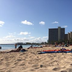 I need more work days that end early and allow me to go here in the afternoon, like today! Definitely need this after so many double shifts. #waikiki #beach #tgit #luckywelivehawaii #whatpolarvortex