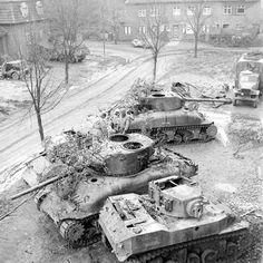 Stuart and several incapacitated Sherman tanks Sherman Tank, War Thunder, Military Armor, Ww2 Photos, Military Pictures, Ww2 Tanks, Armored Vehicles, War Machine, World War Two