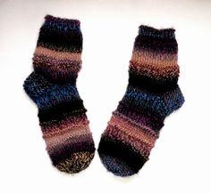 STRICKPARADIES: Handgestrickte Kuschelweiche Socken http://www.strickparadies.com/index.php?cat=c91_Selbstgestrickte-Socken---Schuhe---Bettschuhe-schuhe-hausschuhe-gestrickte-socken-bettschuhe.html