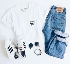 Outfit des Tages von ʟᴀɴᴀ auf We Heart It geteilt Cute Comfy Outfits, Cute Outfits For School, Cute Summer Outfits, College Outfits, Simple Outfits, Stylish Outfits, Cool Outfits, Spring Tumblr Outfits, Japan Outfits