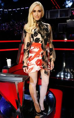 From the angelic Marchesa gown to the Tom Ford mini, see Gwen Stefani's surprising style evolution during season 9 of The Voice. Gwen Stefani Mode, Gwen Stefani The Voice, Gwen Stefani And Blake, Gwen Stefani Style, Gwen And Blake, Hollaback Girl, Marchesa Gowns, Applique Dress, Celebrity Look