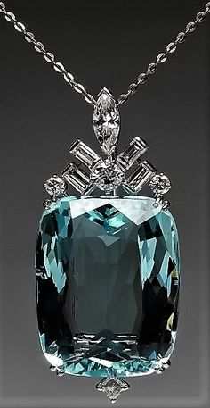 MAGNIFICENT AQUAMARINE 39.44 carat & DIAMOND PENDANT IN PLATINUM. MM
