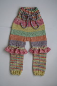 Ravelry: Project Gallery for Convertible Baby Bloomers pattern by Carina Spencer $7.00