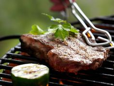 Lettlaget grillolje Steak, Food, Summer, Summer Time, Essen, Steaks, Meals, Yemek, Eten