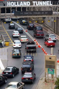 Holland Tunnel Nj To NYC I Have Been Through This Tunnel An Wheeler Barely Got Through #newyork, #NYC, #pinsland, https://apps.facebook.com/yangutu