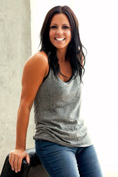 Sara Evans- love dark hair and tan skin... And white teeth!