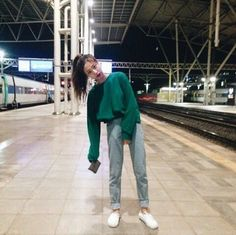 Korean Fashion Trends you can Steal – Designer Fashion Tips Korea Fashion, Asian Fashion, 90s Fashion, Fashion Outfits, Womens Fashion, Fasion, Cool Outfits, Casual Outfits, Foto Casual
