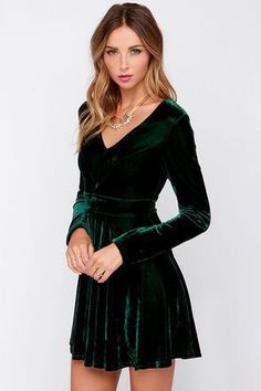 If you dont believe in love at first sight, you clearly havent seen the Lovestruck Encounter Dark Green Velvet Dress! This velvety smooth dark green dress has a V-neckline topping its darted, long sleeve bodice above a flattering fitted waist. Green Velvet Dress, Green Dress, Velvet Skater Dress, Velvet Dresses, Skater Dresses, Dress Black, Pretty Dresses, Beautiful Dresses, Outfit Trends