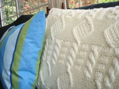 Cable Knit Pillow By Creative In Chicago - Free Knitted Pattern - (creativeinchicago)