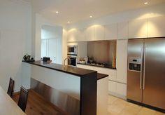 cuisine frigo americain - Recherche Google New Kitchen, Kitchen Furniture, Interior Design Living Room, Open Kitchen, Home Kitchens, Kitchen Diner, American Fridge, Ikea Kitchen, Kitchen Inspirations