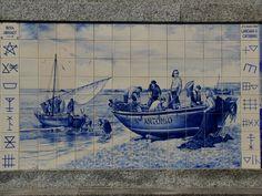Onderdeel van een groot tegel tableau aan de kust van Noord-Portugal, in Pavoa de Varzim.