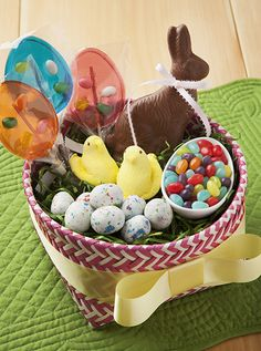 An adorable Easter basket from Candy.com!