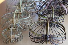 Baskets and bird feeders Traditional Baskets, Public Display, Basket Weaving, Bird Feeders, Plant Hanger, Diy, Home Decor, Albums, Strong