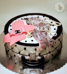 chanel cake <3