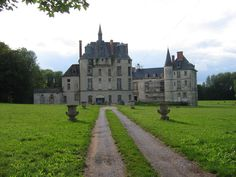 Thugny Trugny le chateau French Castles, Ardennes, Castle House, Grand Homes, French Chateau, My Dream, Scenery, England, Exterior