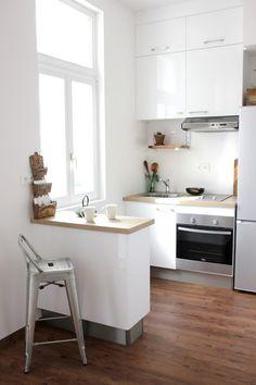 Avant Apr s de la nouvelle petite cuisine R novation Kitchen Room Design, Interior Design Kitchen, Kitchen Decor, Small Apartment Interior, Apartment Kitchen, Small Kitchen Renovations, Kitchen Remodel, Micro Kitchen, Small House Design
