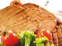 Il seitan è un alimento ottenuto dal glutine del grano tenero, del farro o del kamut. Si tratta di un cibo altamente proteico, ma estremamente povero di grassi, con un aspetto simile a quello della carne, senza però i grassi saturi ed il colesterolo di quest'ultima...