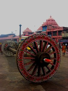 ♂ Ethnic Wheels of the Juggernaut - outside the Jagannath Temple in Puri, Orissa, a month after the Rath Yatra (Car Festival).