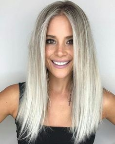 A platinum hair color is literally the lightest among all the other blonde hues…. A platinum hair color is literally the lightest among all the other blonde hues. Platinum shades are reminiscent of that so epic Hollywood glam. Medium Hair Cuts, Medium Hair Styles, Short Hair Styles, Platinum Hair Color, Short Platinum Hair, Shoulder Hair, Shoulder Length, Hair Shades, Hairstyles Haircuts