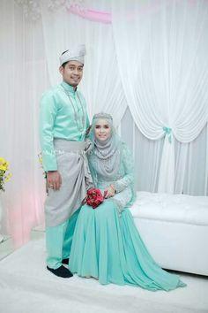 ♥ Malay Wedding Dress, Muslim Wedding Dresses, Muslim Brides, Muslim Couples, Wedding Gowns, Bridesmaid Dresses, Bridesmaids, Bridal Hijab, Hijab Bride