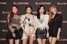 """""""Exciting industry news: Blackpink sign with Records, as part of a global partnership between Universal Music Group and YG Entertainment. Yang Hyun Suk ( shared they will work for a """"successful global debut and promotion of BLACKPINK. Pop Art Fashion, Blackpink Fashion, Kim Jennie, Square Two, Story Instagram, Black Pink Kpop, Blackpink Photos, Blackpink Jisoo, Looking Stunning"""