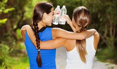 6 signs you need to drink more water - It does so much more for your body than make you wee all the time. Watch out for these dehydration signs, says nutritionist Naomi Mead Health And Beauty, Health And Wellness, Women's Health, Fitness Diet, Health Fitness, Feeling Like A Failure, Workout Routines For Women, Drink More Water, Health Magazine