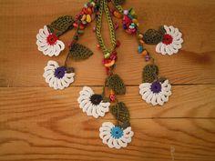 crochet flower necklace green leaf white flower by PashaBodrum