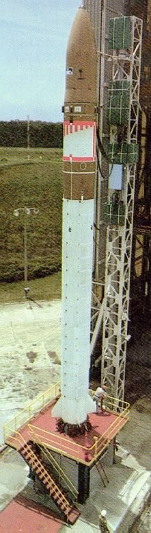 Diamant B-P4 s družicemi Pollux a Castor (17.05.1975)