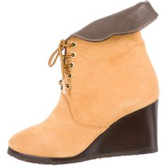 Pre-owned Chloé Wedge Booties ($245) ❤ liked on Polyvore featuring shoes, boots, ankle booties, brown, wedge boots, lace up boots, suede wedge boots, brown wedge boots and suede booties