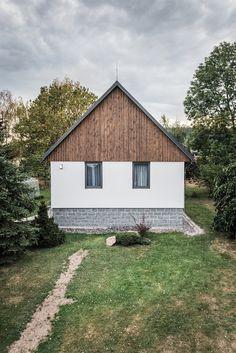 Vesnický rodinný dům doplnil nový vejminek od Michaela Karneta | EARCH. Family Houses, Architecture Design, Home And Family, Shed, Outdoor Structures, House Styles, Building, Home Decor, Houses