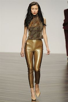 London Fashion Week 2013. Gold latex leggings
