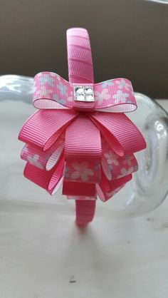 Creative Hobby Handmade Gifts - Hobby For Women In Their Pictures - Hobby Lobby Store Decor - Ribbon Art, Ribbon Hair Bows, Diy Hair Bows, Bow Tutorial, Flower Tutorial, Diy Headband, Baby Headbands, Hobby Lobby Christmas Ornaments, Frozen Bows