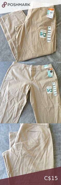 Shop Women's Lee Tan size Straight Leg at a discounted price at Poshmark. Description: ⭐️ New With Tags ⭐️ Lee ⭐️ Size 18 ⭐️ Straight/Wide Leg. British Khaki, Lee Jeans, Plus Fashion, Fashion Tips, Fashion Trends, Wide Leg, Khaki Pants, Tags, Closet