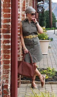 safari chic (Style at a certain age) Stylish Outfits For Women Over 50, Fashion For Women Over 40, Clothes For Women, Fashionable Outfits, Classy Outfits, Chic Outfits, Fashion Outfits, Work Outfits, Fashion Clothes