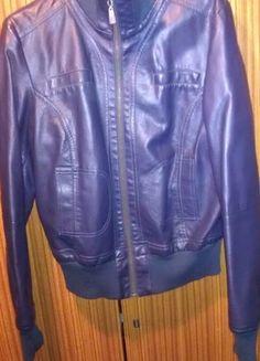 Kup mój przedmiot na #vintedpl http://www.vinted.pl/damska-odziez/kurtki/8330213-granatow-kurteczka-z-zamkiem