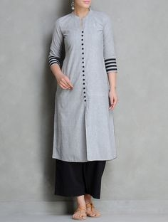 Buy Grey Black Mangalgiri Cotton Kurta by Maati Crafts Apparel Tunics Salwar Designs, Kurta Designs Women, Dress Neck Designs, Blouse Designs, Mode Bollywood, Kurta Patterns, Kurta Neck Design, Indian Salwar Kameez, Woman Clothing