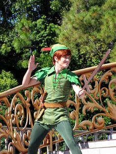 My absolutely ridiculous and childish dream: To be Wendy Moira Angela Darling at Disney World. Disney Love, Disney Magic, Peter Pan Disney World, Walt Disney World, Disney Parks, Disney Pixar, Peter Pan Cosplay, Peter Pan Wallpaper, Disneyland Face Characters