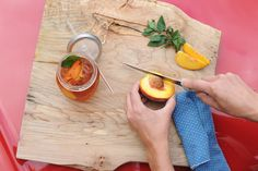 Delightful peach tea recipe.Fill a chilled Mason Jar Tumbler with your choice of iced tea, add a few peach slices, pour a splash of ginger ale and top with fresh mint.