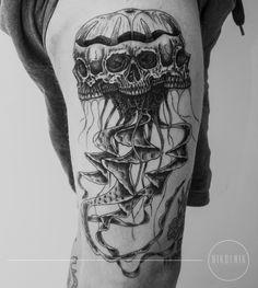 #tattoo #nikolnik_tattooer #dotwork #blackink #blacktattoo #linework #skull #jellyfish #skullyfish #ornament