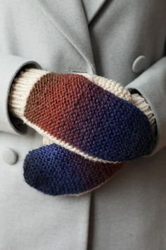 Lawina mittens. Knitted for positive people.
