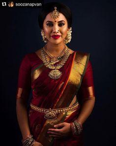 Ideas for indian bridal sari hindus South Indian Silk Saree, South Indian Wedding Saree, South Indian Bridal Jewellery, Indian Bridal Sarees, Indian Wedding Wear, Bridal Silk Saree, Indian Bridal Fashion, Saree Wedding, Indian Saris